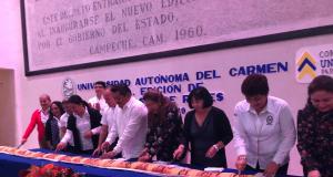 Realizan corte de Rosca de Reyes por la Unacar