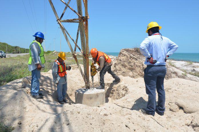 CFE brinda mantenimiento a torres en mal estado