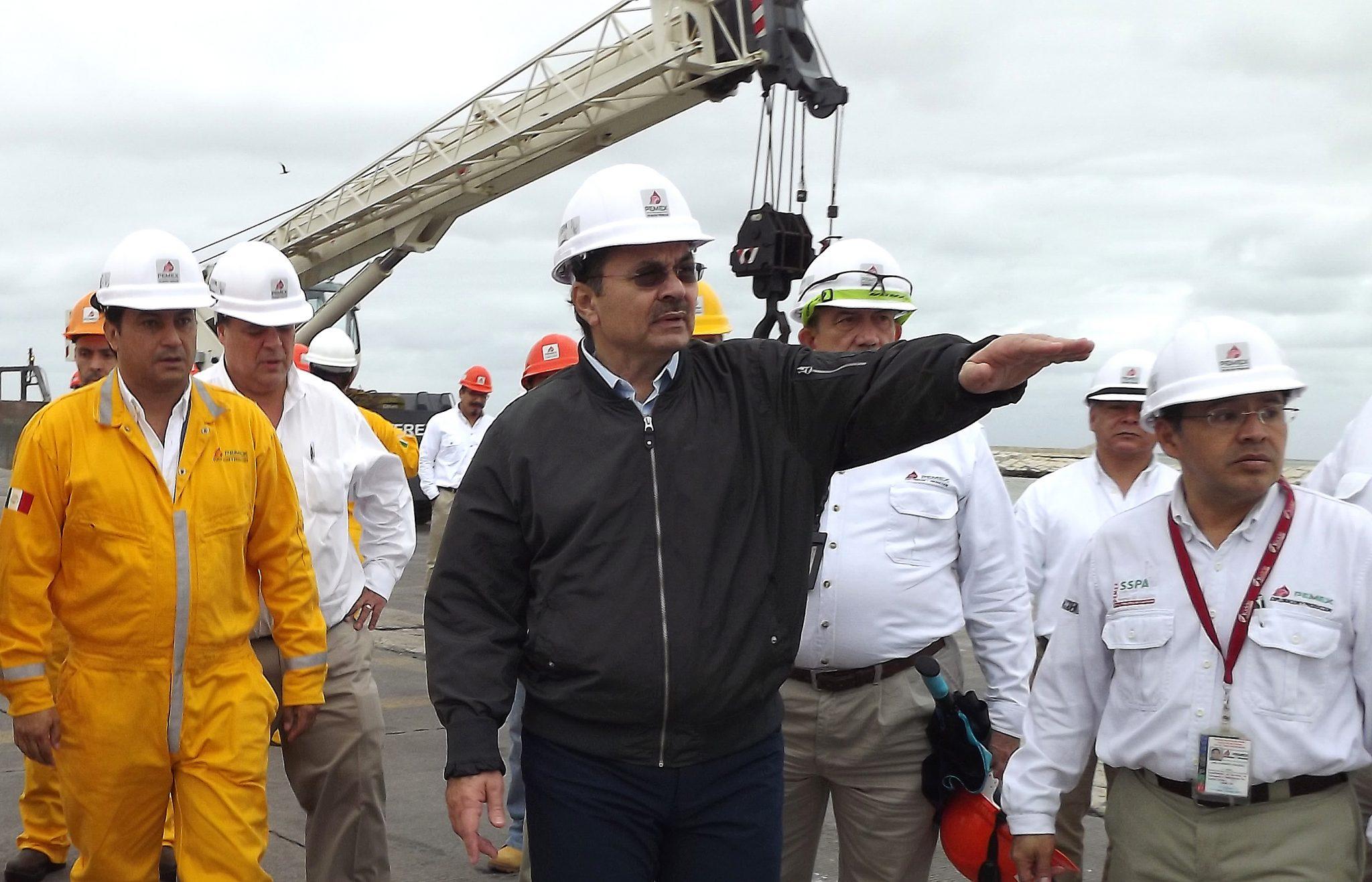 Romero Oropeza despacha desde Carmen