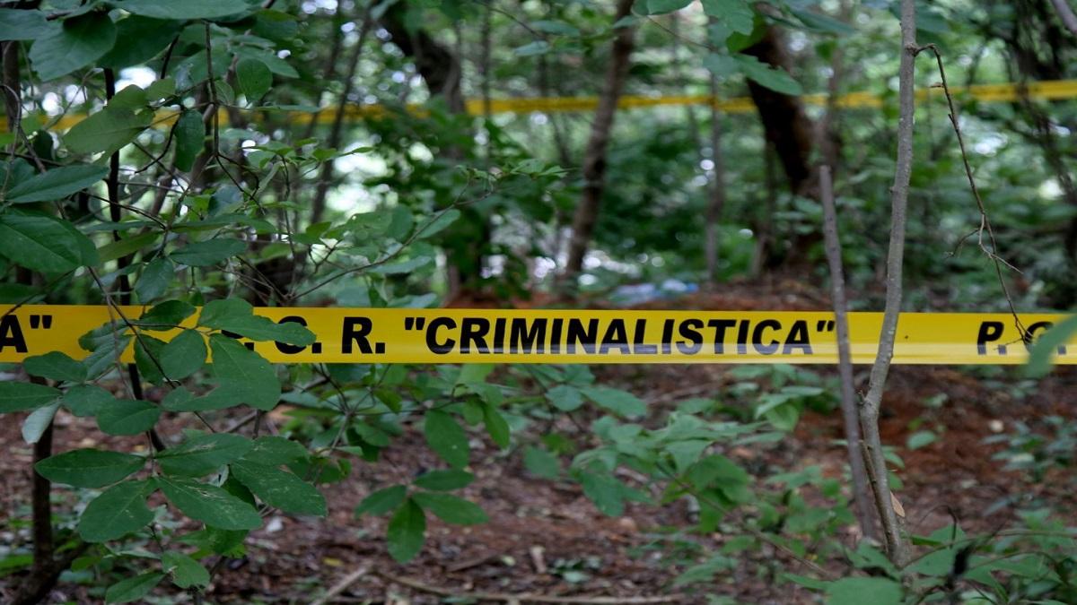 Los integrantes del Colectivo de Padres y Familiares de Desaparecidos, Secuestrados y Asesinados en GUerrero y el País continúan con la búsqueda de desaparecidos en las fosas clandestinas, ubicadas en el parque nacional El Veladero.